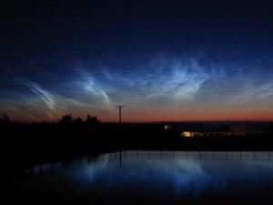 Noctilucent clouds seen from Anglesey between 0240 -0340 GMT on 28 July 2001. Photo: Courtesy of © John Rowlands.