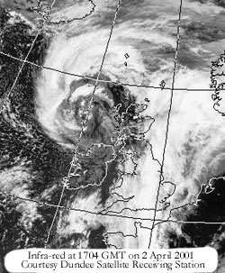 Infra-red at 1704 GMT on 2 Apr 2001; Image courtesy of University of Dundee, Scotland.