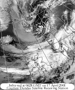 Infra-red at 0628 GMT on 17 Apr 2001; Image courtesy of University of Dundee, Scotland.